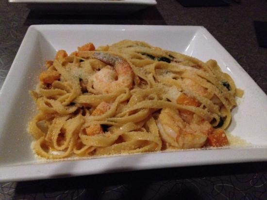 Mezcal Tequila Cantina: Seasonal special shrimp fettuccine entrée with spinach and butternut squash.