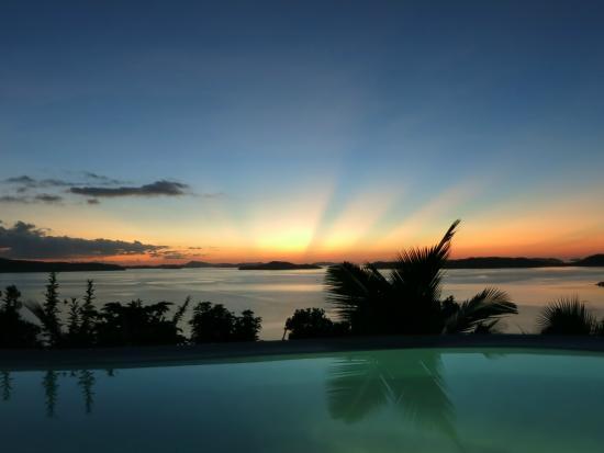 AL FARO Cosmio Hotel Palawan: one of the beautiful sunsets