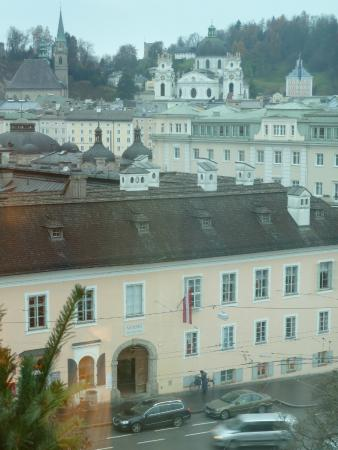 Bristol Hotel Salzburg: Mozart's house is directly across the square.