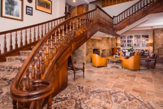 The Lodge at Vail, A RockResort: Grand Staircase