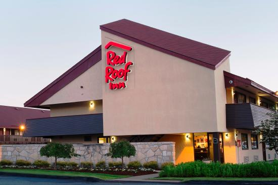 Red Roof Inn Edison: Exterior