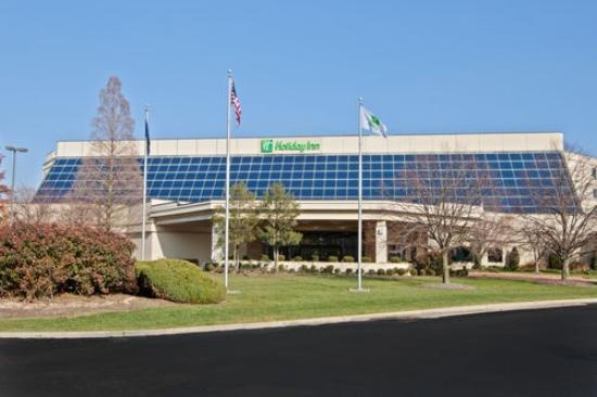 Holiday Inn Evansville Airport Hotel: An EXPERIENCE