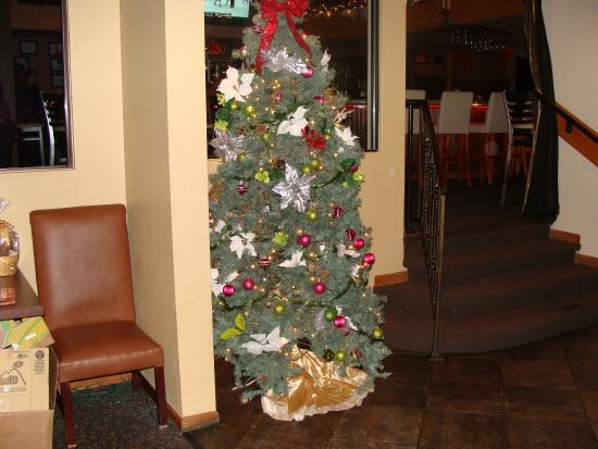 JB Hook's Restaurant: Christmas Tree at JB Hooks