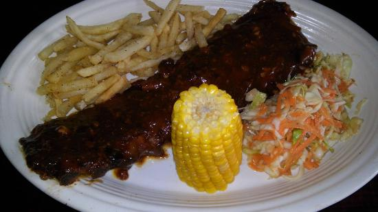 Captain Don's: Bbq ribs, cole slaw and fries, yummi!