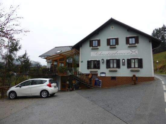 Gasthaus-Gaestehaus Schusterbauer : Gasthaus - Restaurant. Maison principale