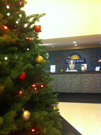 Portland North Days Inn: We are ready for the holidays.