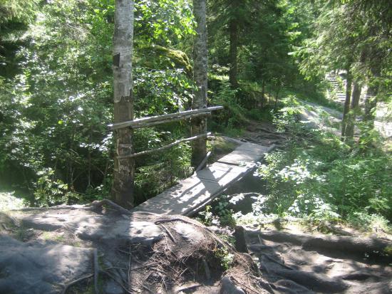 Ruskeala Waterfalls: Водопады в Рускеале