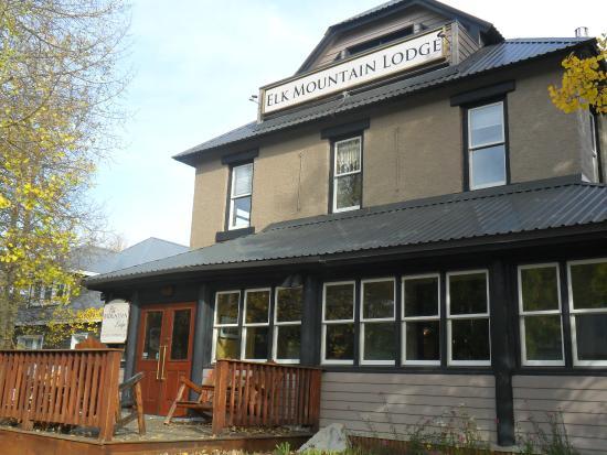 Elk Mountain Lodge: Entrance