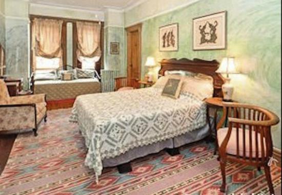 Villa 121 Harlem Guest House