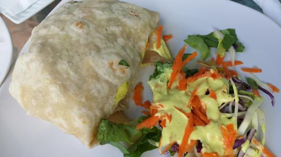 Blue Monkey Cafe: vegetable roti