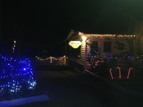Crane Creek Inn Waterfront Bed and Breakfast: Holiday lighting 2014