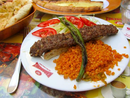 Kebab foto di karadeniz aile pide kabap istanbul for Divan kebab carte