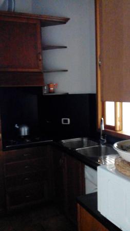 Borgo Pio 91: cucina molto attrezata con ogni cosa che desideri per cucinare :)