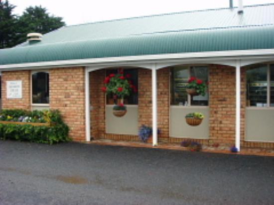 Ashgrove Tasmanian Farm Cheese: Entrance