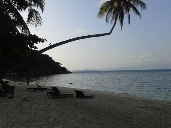 Leela Beach Resort: Playa