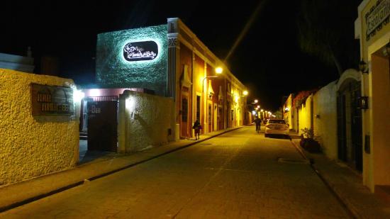 Hotel Tunich Beh: Street view