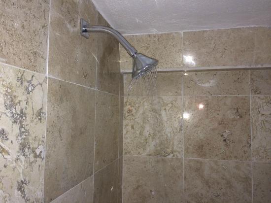 Ventana del baño, sin ventilación   picture of castillo santa ...