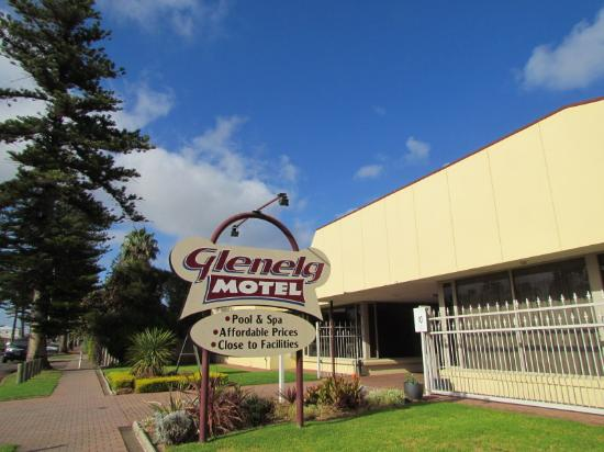 Glenelg Motel: Motel entrance