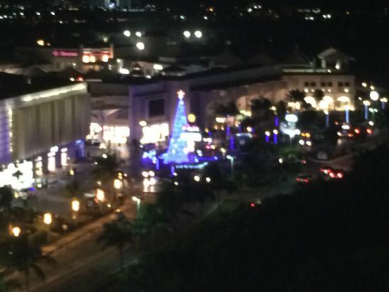 Live Aqua Beach Resort Cancun: view of shopping mall across the street