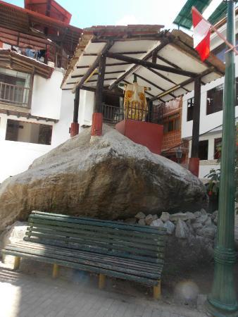 Inti Winaywayna : Vista para a praça lateral ao hotel.