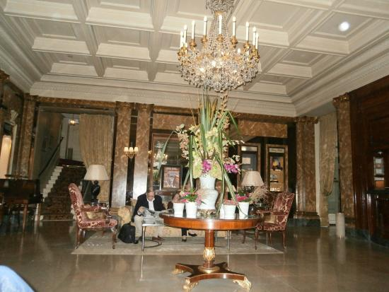 Hotel Westminster : Hotel Lobby