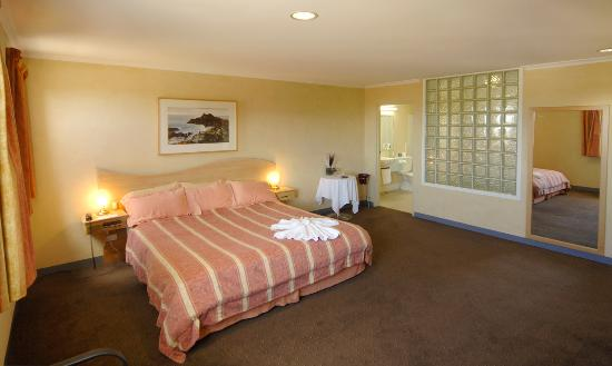 Lighthouse Hotel Ulverstone: Queen room