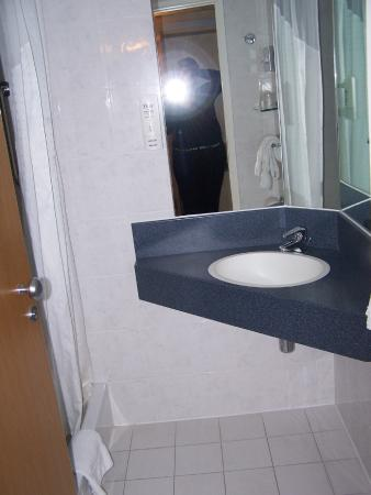 Holiday Inn Express Grenoble - Bernin: bath (toilet in separate area from shower/sink)