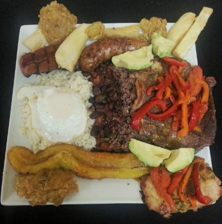 Casa Blanca Latinamerican Foods Restaurant: bandeja paisa is a typical dish from antioquia colombia