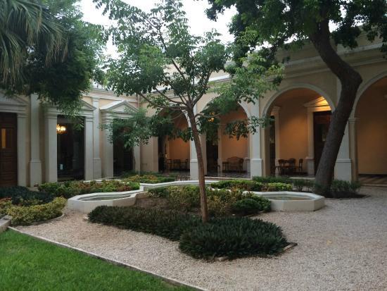 Foto de museo casa montejo m rida casa exteriors tripadvisor - Foto casa merida ...