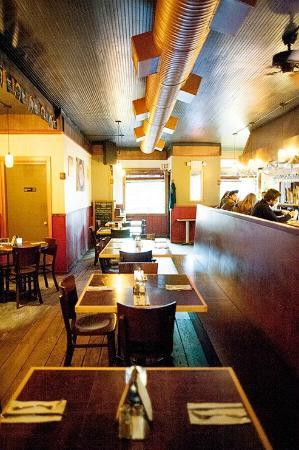 Wunderbar Bistro: Dining Room