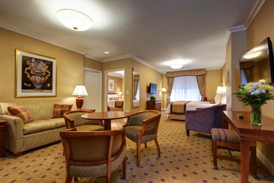 One Bedroom Suite Living Room Picture Of Wellington Hotel New York City
