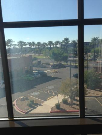 Hilton Garden Inn Phoenix Airport : view from room