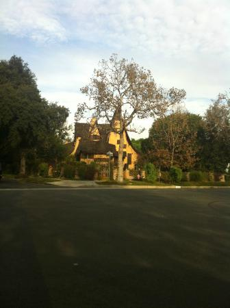 Dearly Departed Tours: Witches house, home that has been utilised for filming, cute.