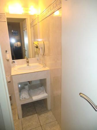 BEST WESTERN Hotel de Madrid: realmente pequeno, mas o necessario está lá
