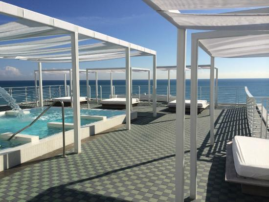 Como Metropolitan Miami Beach Rooftop Hydropool At The