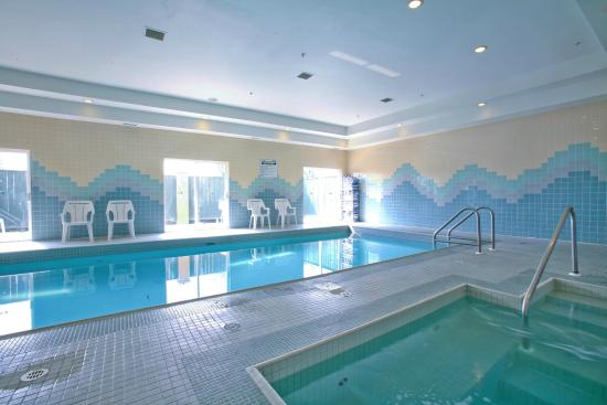 Sandman Hotel Red Deer: Indoor Pool
