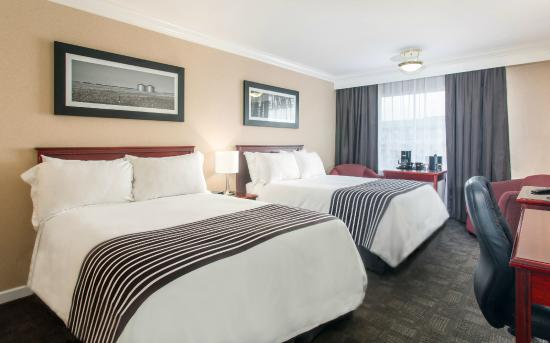 Sandman Hotel Red Deer: Standard Room - 2  Double Beds