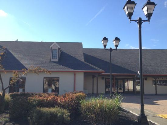 ugg outlet woodbury commons ny reviews