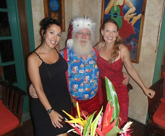 Vintage Pearl Restaurant and Wine Cellar: Joni, Santa & Michelle