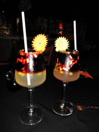 Mayan Bistro: Potent and delicious red sangria
