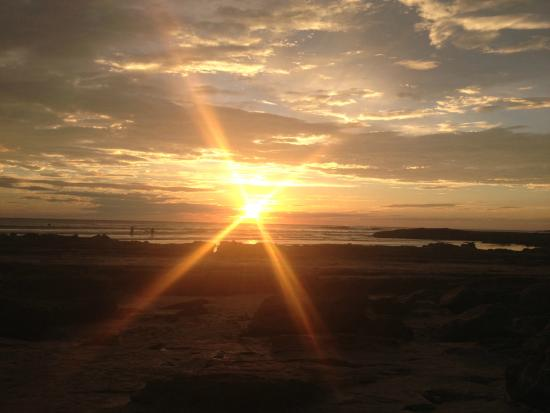 Rancho Cecilia Nicaragua: Sunset at playa maderas (the closest beach)