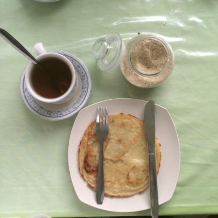 Surya Hotel: morning breakfast