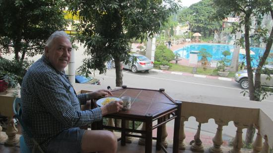 Muong Thanh Hotel: a quiet breakfast on my own …..