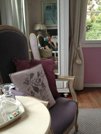 Villa Heliotropes : belle chambre