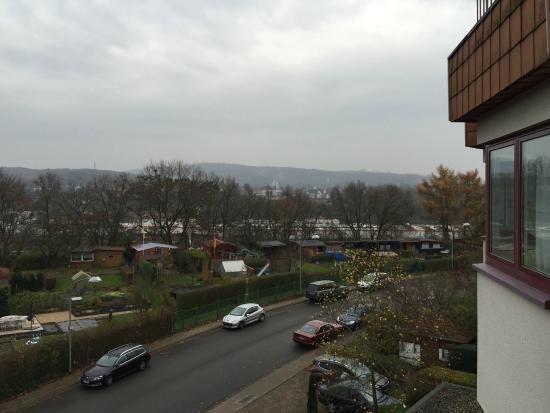 Victor's Residenz-Hotel Saarbrucken: Zicht op Saarbrücken