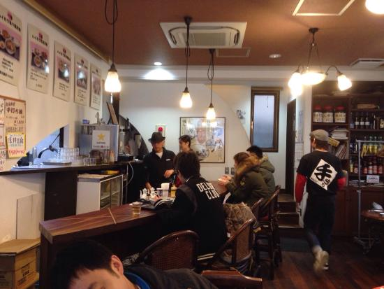 Nisshin Tei Honten: Homey joint... With Cantonese speaking waitress