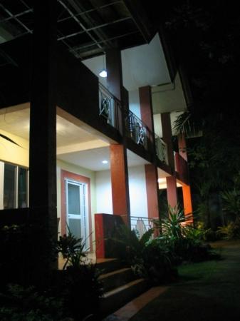 Haruhay Dream Resort: Отель ночью