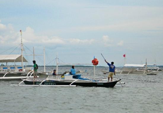 Haruhay Dream Resort: Тримараны на побережье