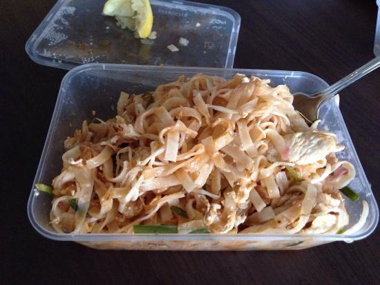 Papaya Thai Restaurant: Chicken pad Thai takeaway