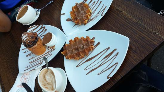 Max Brenner Chocolate Bar : Chocolate Overdose! Get the Waffles!
